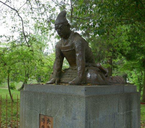児島高徳像.jpg