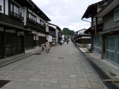 八尾 諏訪町通り.jpg