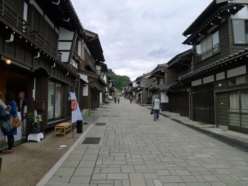 八尾 諏訪町通り2.jpg