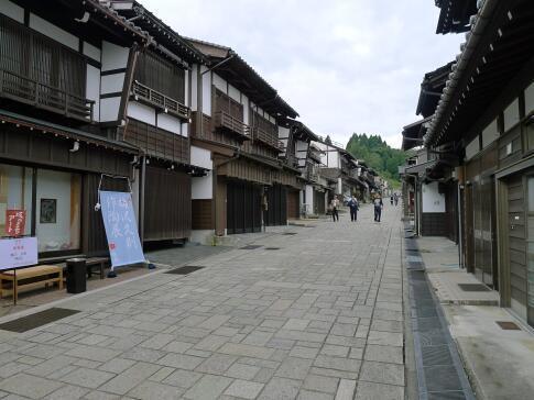 八尾 諏訪町通り3.jpg