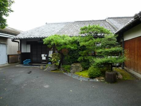 前川邸2.jpg