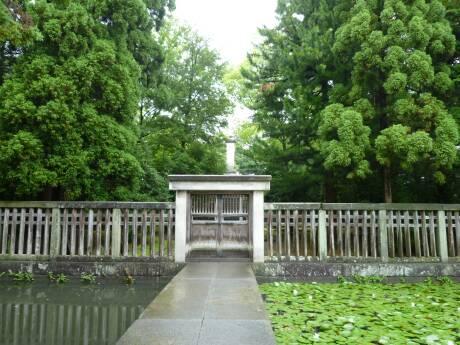 前田利長公墓所2.jpg