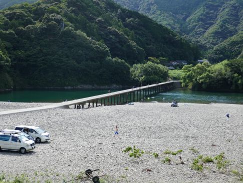 勝間沈下橋2.jpg