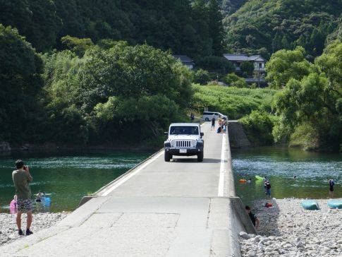 勝間沈下橋3.jpg