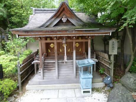 北の庄城 三姉妹神社.jpg