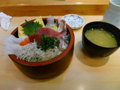 地魚海鮮丼.jpg