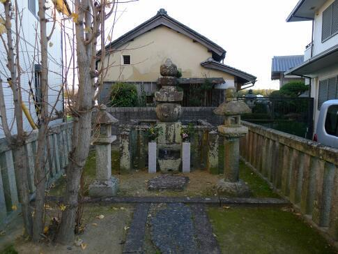 塙団右衛門の墓.jpg