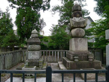 天崇寺 高田姫の墓.jpg