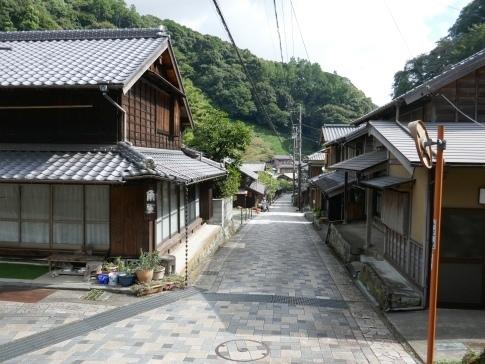 宇津ノ谷の集落6.jpg