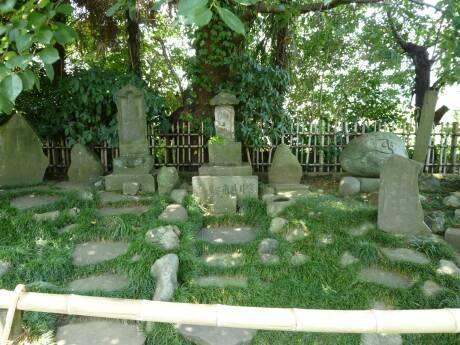 室井祖角の墓.jpg
