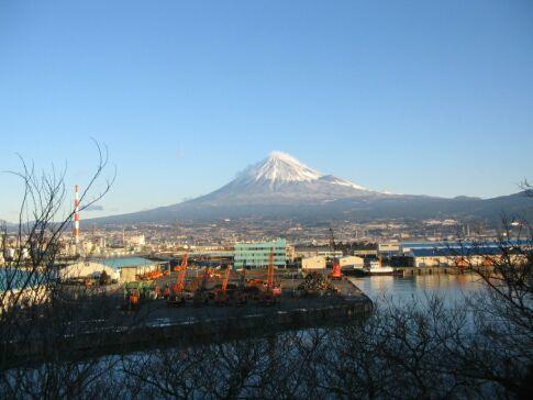 富士と港の見える公園 200501.jpg