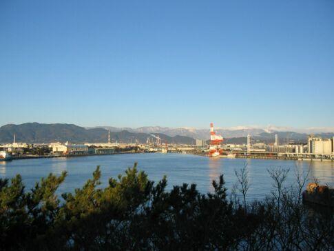 富士と港の見える公園 200503.jpg