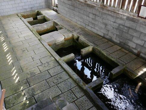 富田の清水2.jpg