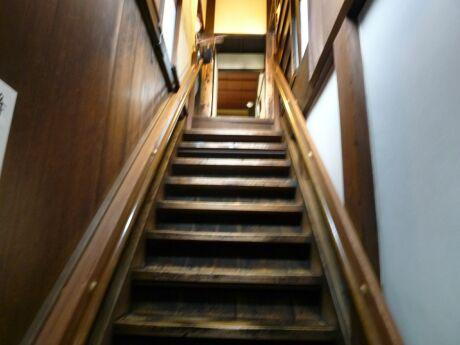 寺田屋 階段.jpg