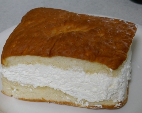 小松の牛乳パン2.jpg