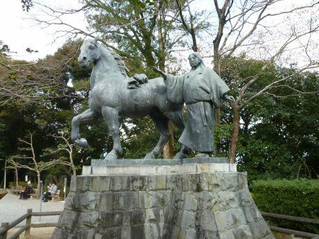 山内一豊の妻 千代の像.jpg