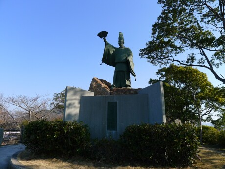 平清盛日招きの像.jpg