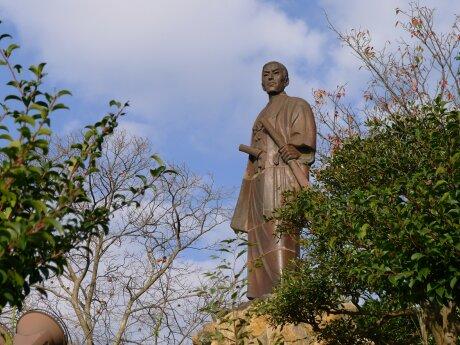 日和山公園の高杉晋作像2.jpg