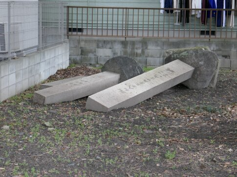 木村重成石像3.jpg