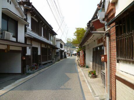 松合白壁土蔵の町.jpg