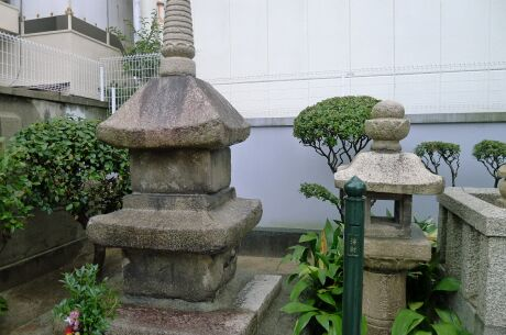 松王の碑.jpg