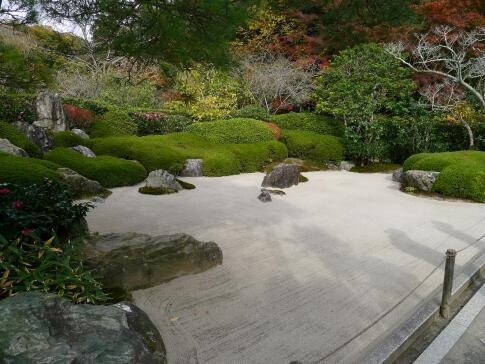 枯山水庭園.jpg