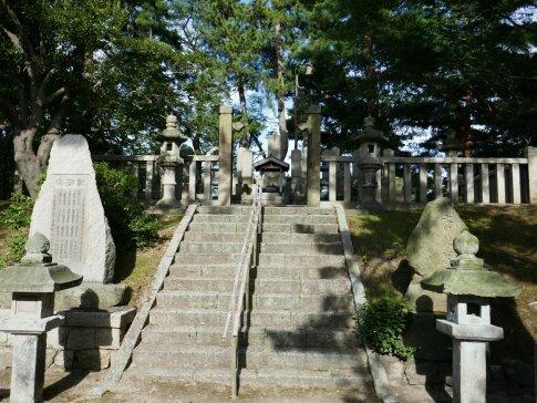 武田耕雲斉の墓2.jpg