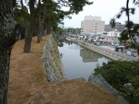 津城 石垣1.jpg