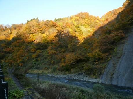 清津峡の紅葉2.jpg