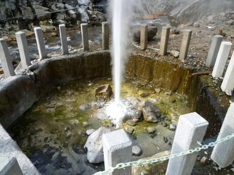 渋の地獄谷噴泉3.jpg