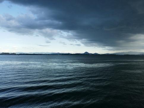 琵琶湖雨.jpg