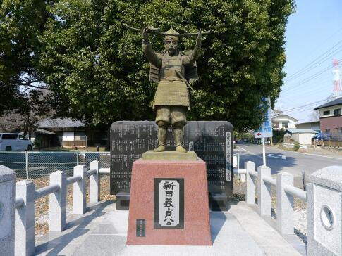 生品神社 新田義貞像.jpg