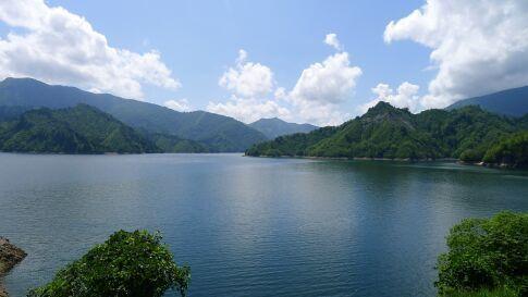 田子倉湖.jpg