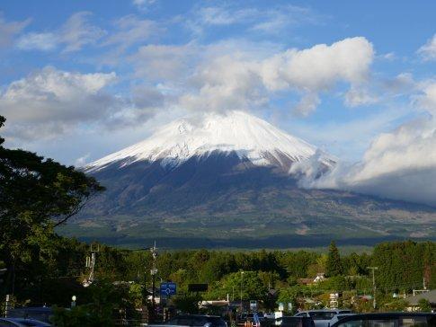 白糸の滝から見た富士山.jpg