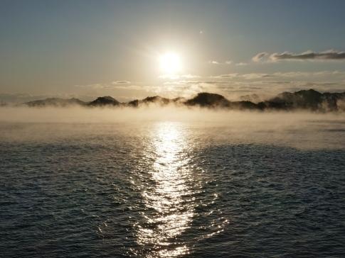 稲荷大明神神社前の海霧3.jpg