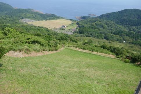 米の山展望台パラグライダー.jpg
