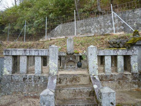 絵島の墓.jpg
