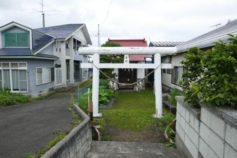 藤原泰衡終焉の地錦神社2.jpg