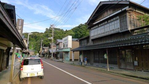 見附雁木の町並み3.jpg