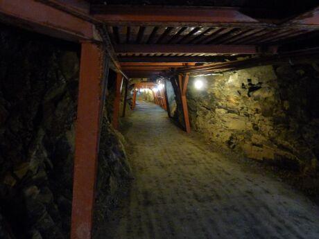 象山地下壕2.jpg
