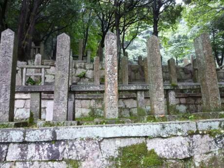 霊山護国神社 古高俊太郎の墓.jpg