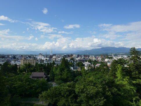 鶴ヶ城東側.jpg