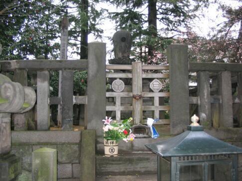 麟祥院 春日局の墓.jpg
