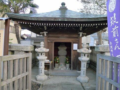 黒田職隆廟2.jpg