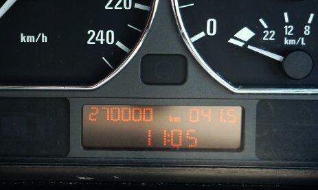 BMW27万キロ.jpg